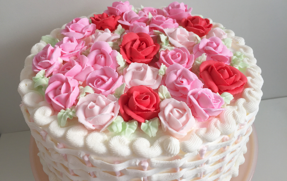 Online Cake Delivery In India Cheap Rose Cake For Your Love One