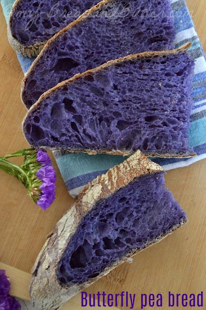 Pane blu a lievitazione naturale