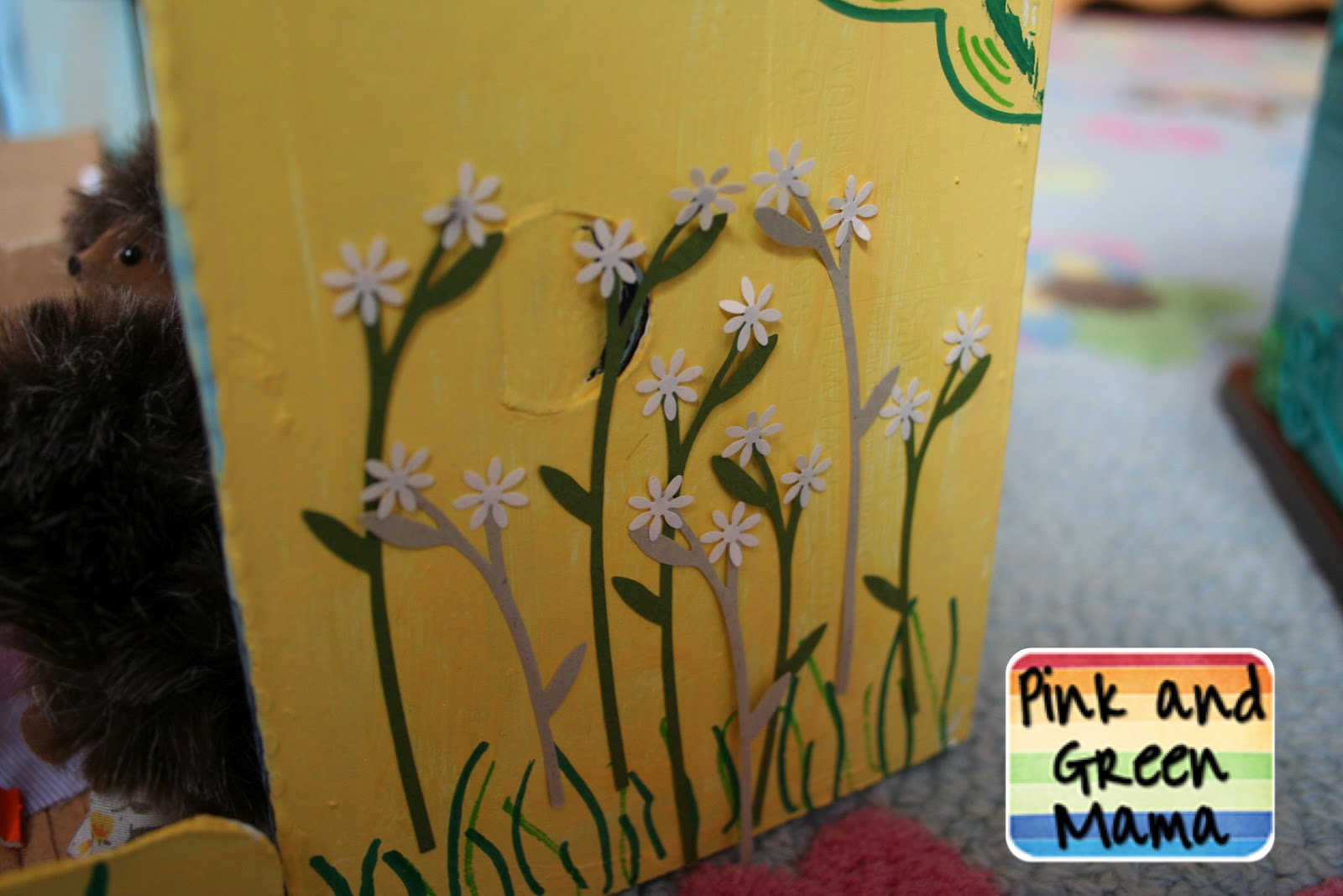 Pink and Green Mama: * Cardboard Shoe Box Play House With Egg Carton ...