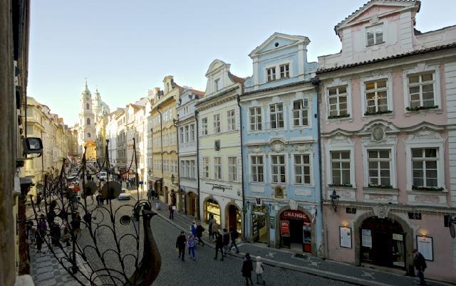 Passeio pela Bairro Pequeno em Praga