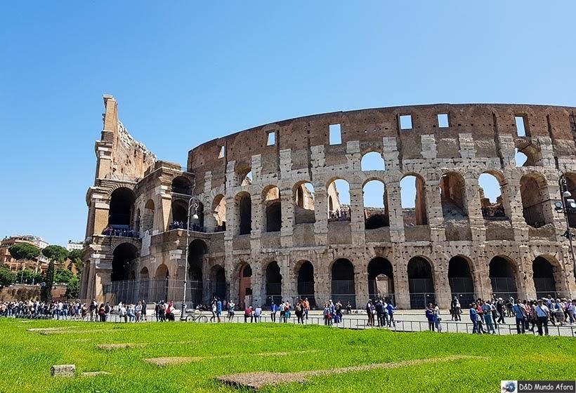 Tour no Coliseu com a Elmocar - Transfer em Roma em Português