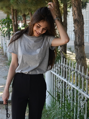 fashion_blogger_diyorasnotes_fur_lost_ink_pants_asos_grey_shirt_street_style