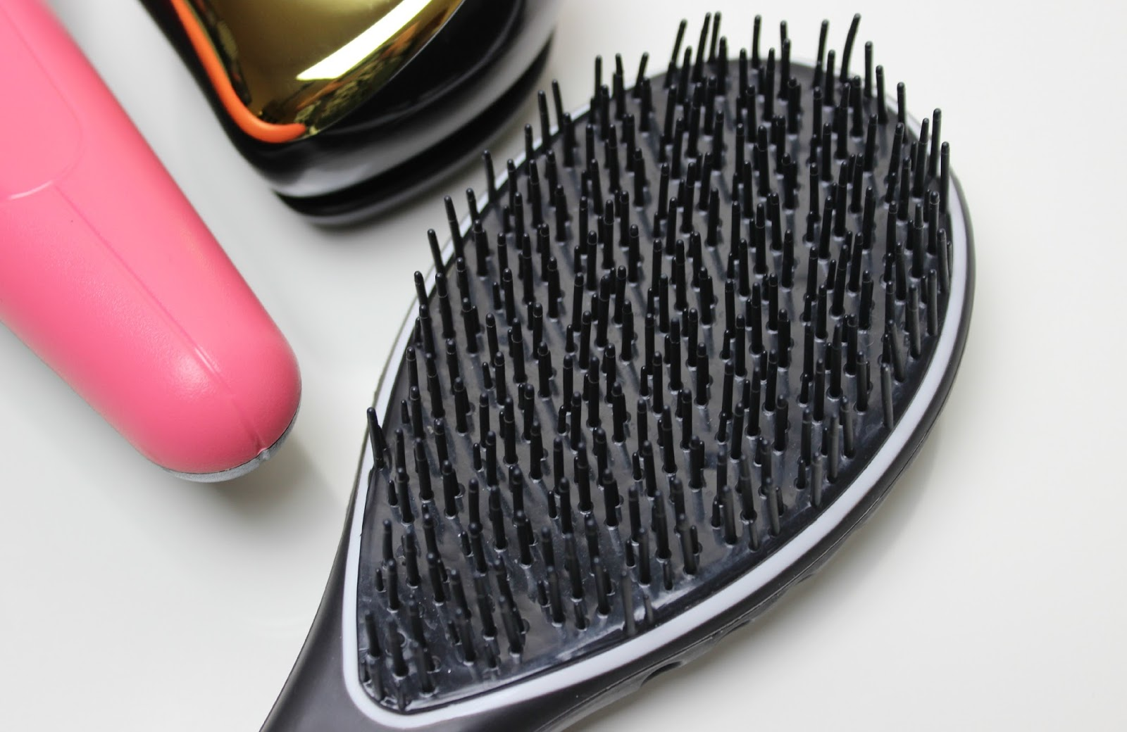A picture of Airmotion Hair Brush