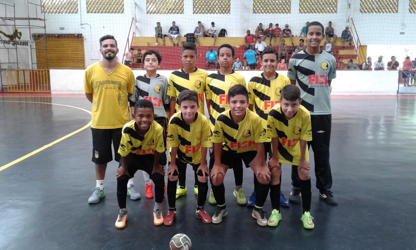 bc7ff452c6bf7 ... mostrou o porque é uma das favoritas a conquista do título Copa CNA de  Futsal Escolar. No clássico contra o Colégio Objetivo Praia Grande