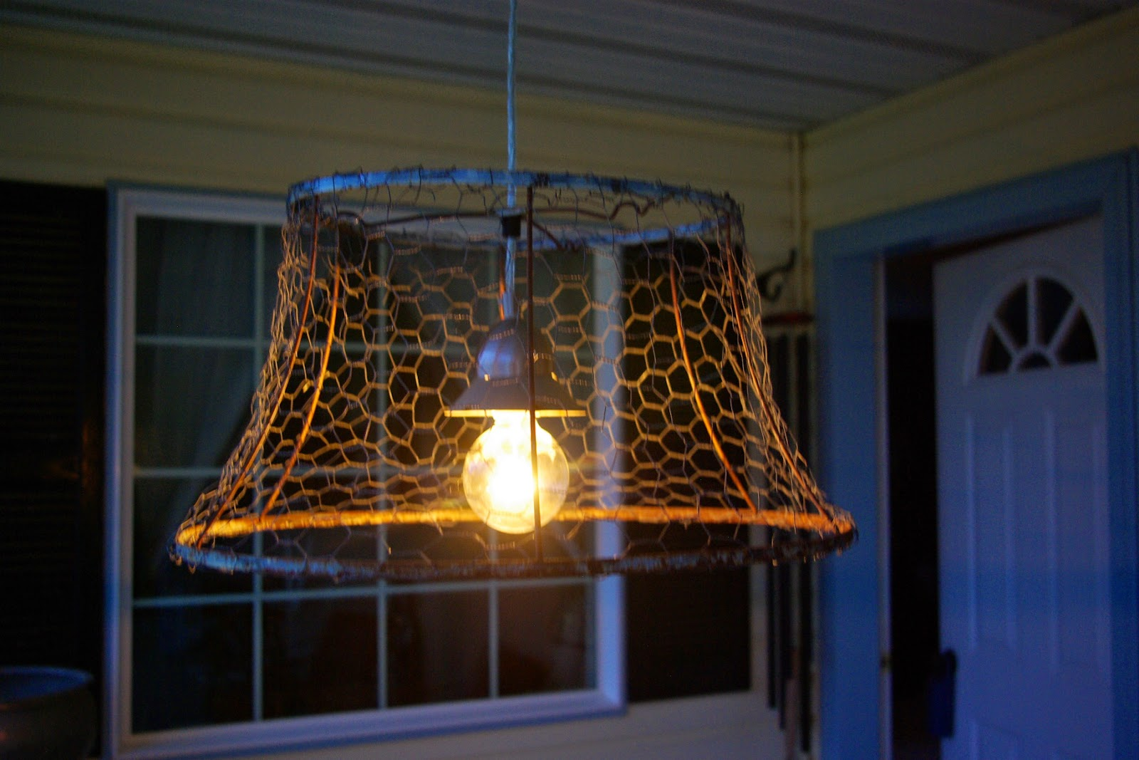 Reclaimed Rustics: Chicken Wire Light Fixture