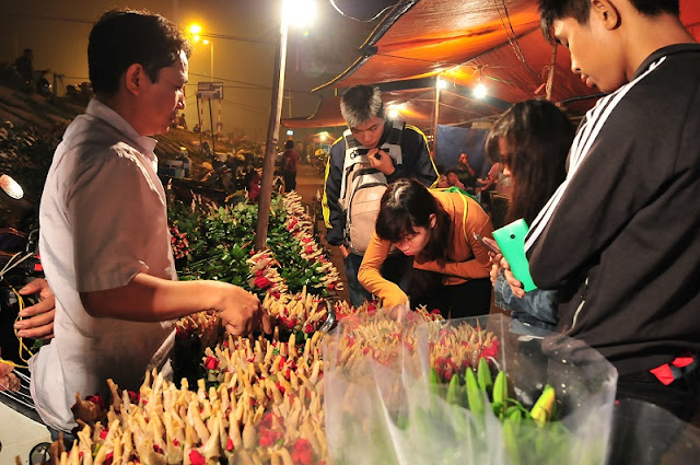Six famous Tet flower markets in Hanoi 2