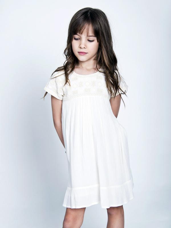 Moda primavera verano 2018 ropa para niñas vestidos. Moda 2018.