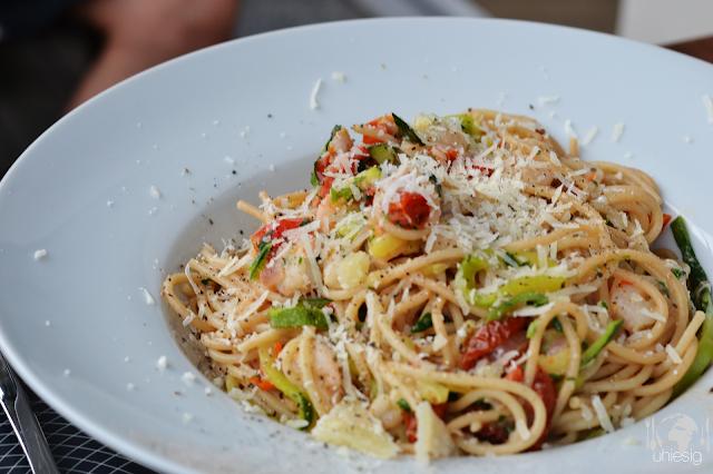 Spaghetti mit Scampis und Tomaten