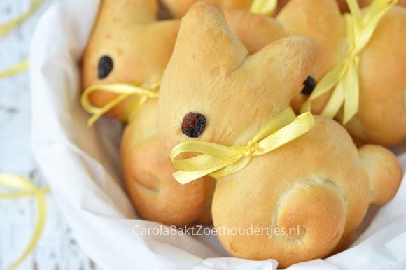 Paashaas broodjes bij het paasontbijt