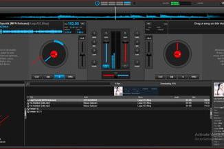 Memodifikasi musik dan menjadi seorang DJ dengan aplikasi virtual DJ