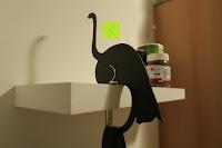 Tasche halten: ARTORI Design AD273B - Louis' Paw - Black Metal Cat Decorative Balance Hanger by Artori Design