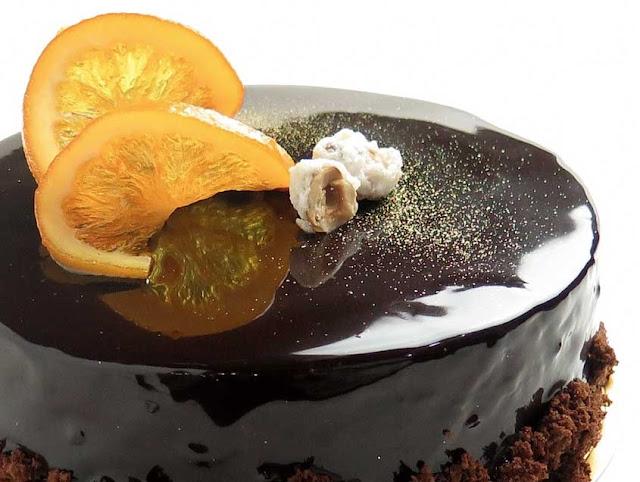 Espejo de chocolate (glaseado brillante de chocolate).