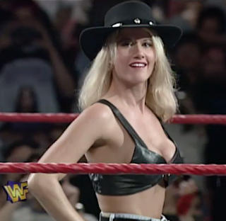 WWF / WWE - IN YOUR HOUSE 9: International Incident - Sunny led the Smoking Gunns into battle against the Body Donnas