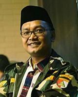 Mohamad Guntur Romli adalah aktivis JIL  Profil & Biodata Mohamad Guntur Romli - Aktivis JIL (Jaringan Islam Liberal), Kader PSI