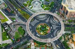 Shanghai's Innovative Pedestrian Bridge