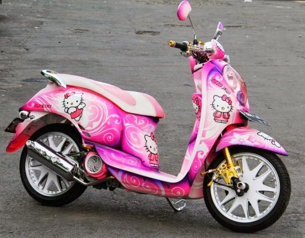 Modifikasi Honda Scoopy Tema Hello Kitty Yang Girly Abis