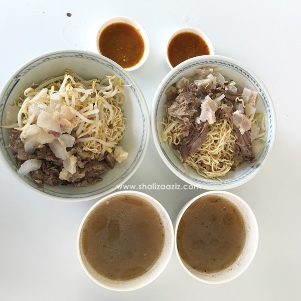 Mi Kolok Hj Salleh, Kuching