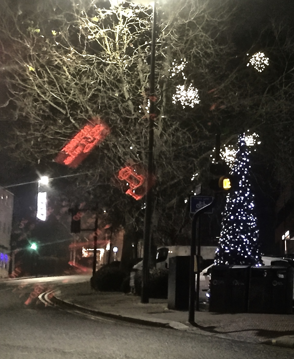 Travel With Angela Lansbury: Stanmore Lights, Xmas Tree In