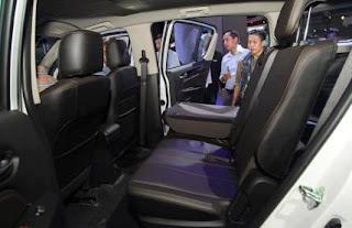 Hàng ghế sau rộng rãi Chevrolet 7 chỗ