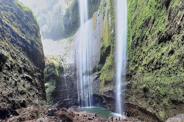 Foto-Air-Terjun-Madakaripura-di-Jawa-Timur