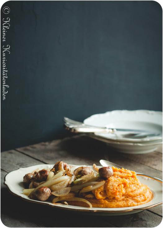Kürbispolenta mit Bratwurstbällchen