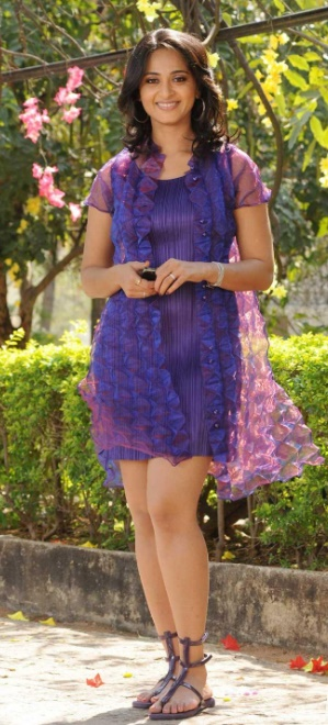 anushka  shetty in purple dress