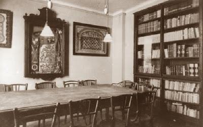 Foto antigua de una sala de la sede del Coro de Marina