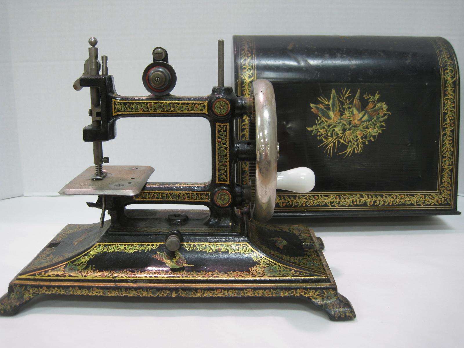 antique sewing machines. Black Bedroom Furniture Sets. Home Design Ideas