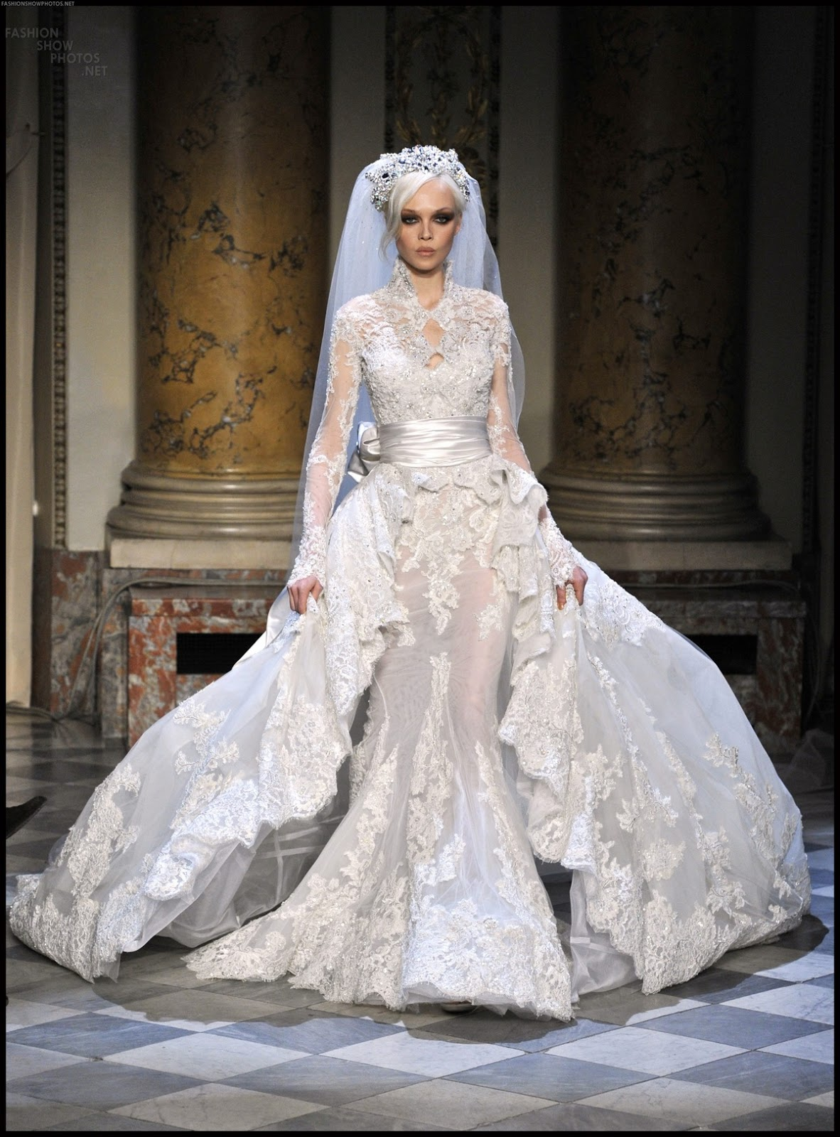 Love a fitted dress and long lace veil | Wedding dresses ... |Beautiful Wedding Gowns With Veils