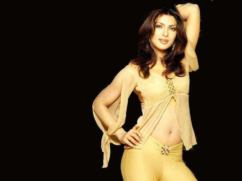 Bollywood Actress Photobook: Priyanka Chopra Hot Navel