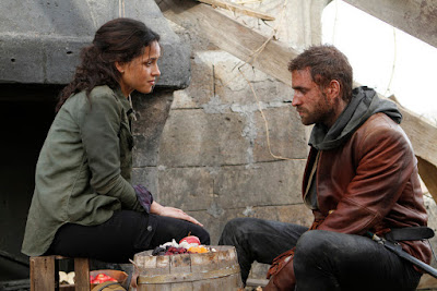 Image of Adria Arjona and Oliver Jackson-Cohen in Emerald City Series (8)