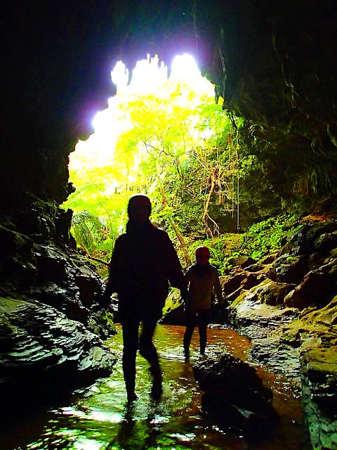 西表島で人気No1のSUPツアーで2018年最高の島旅を!ケンガイドおすすめSUP秘境パワースポット巡りやシュノーケル・キャニオニングなど遊びは自由自在!女子旅行・学生旅行・家族旅行で観光アクティビティSUP体験を、西表島でSUP遊びを満喫しよう。