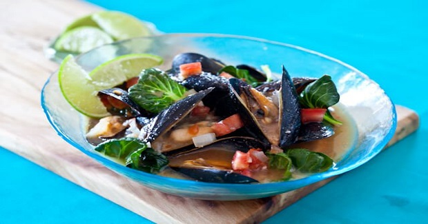Spicy Steamed Mussels In Miso Broth Recipe - Kusina Master Recipes