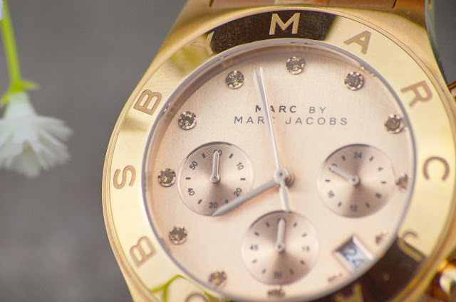 Marc Jacobs MBM3102 Blade Chronograph Ladies Watch from Pluswatches Review, Lovelaughslipstick Blog