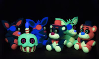Five Nights at Freddy's Blacklight Plushies Foto