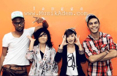 Download Lagu Tangga Terbaru Full Album Mp3