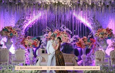tema pernikahan