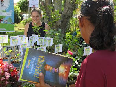 Secretaria da Educação de Cajobi realiza feira do livro na Praça da Matriz