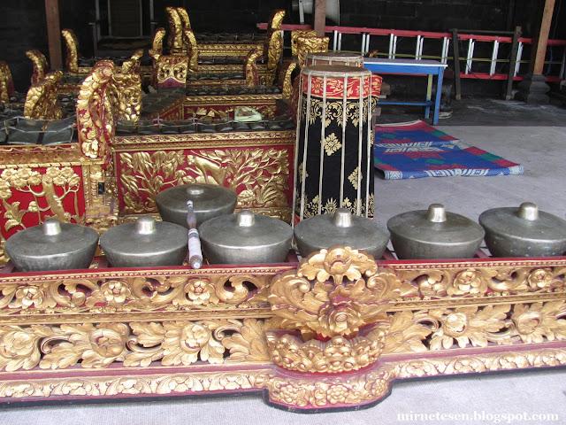 Балийские музыкальные инструменты, Денпасар