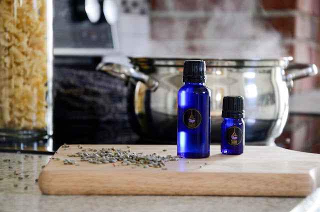 Using Lavender Essential Oil to Treat Kitchen Burns
