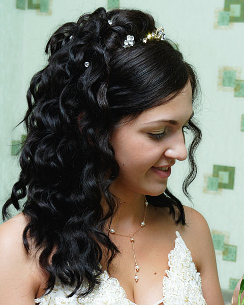 Curly Hair Wedding Styles: Curly Wedding Hairstyles