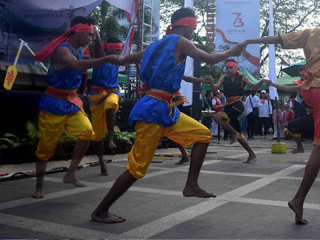 Pembukaan Festival Teluk Ambon (FTA) 2018 di Gong Perdamaian