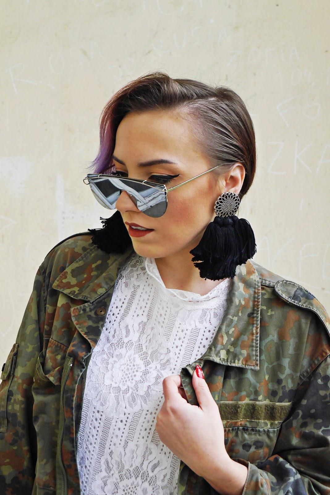6_moro_kurtka_sh_koronkowa_biala_sukienka_karyn_blog_buty_renee_031217a