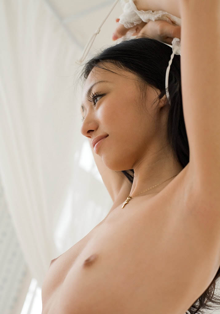 aino kishi sexy naked pics 01