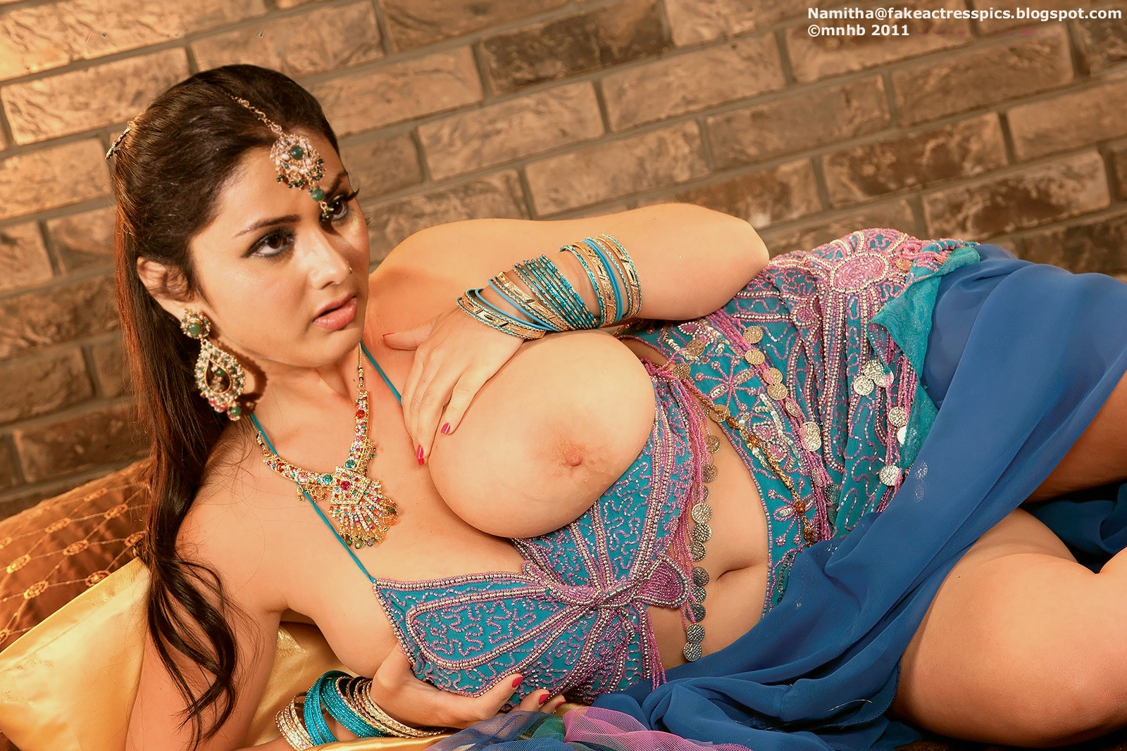 Show porn of playing gujrati girls fucking