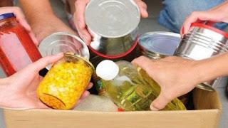 Διανομή τροφίμων και ειδών πρώτης ανάγκης στο χώρο της Κεντρικής Αγοράς Καλαμάτας