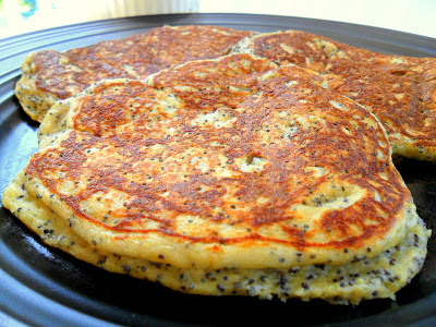 Whole-Wheat Lemon Poppy Seed Pancakes – Hungry Gator Gal