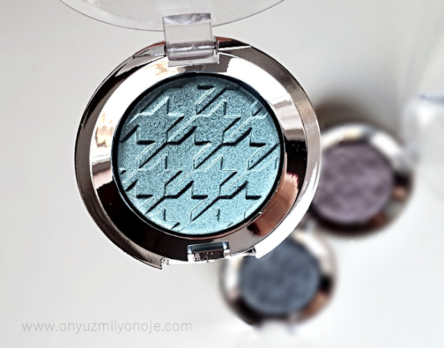 Eye Catcher Dazzyling Eyeshadow 003 True Story