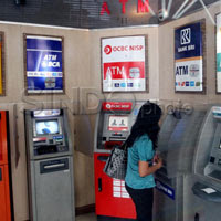 Cara Aman Bertransaksi Melalui ATM, Nasabah Wajib Paham
