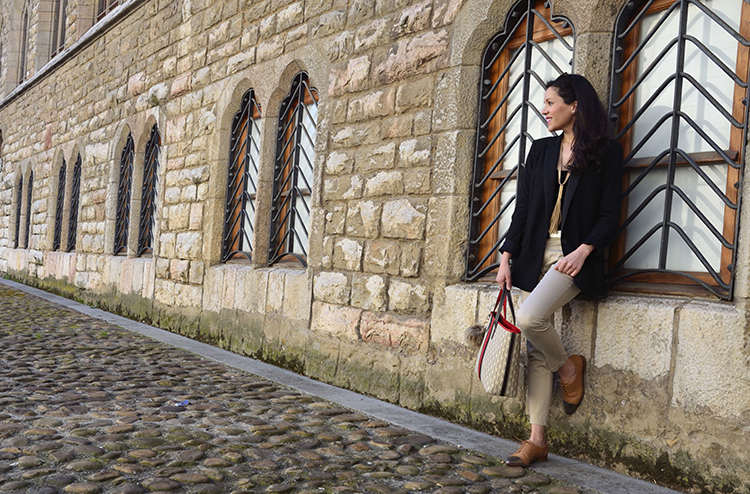 black-beige-look-outfit-blazer-leather-shoes-trends-gallery-fashion-velvet-body-terciopelo